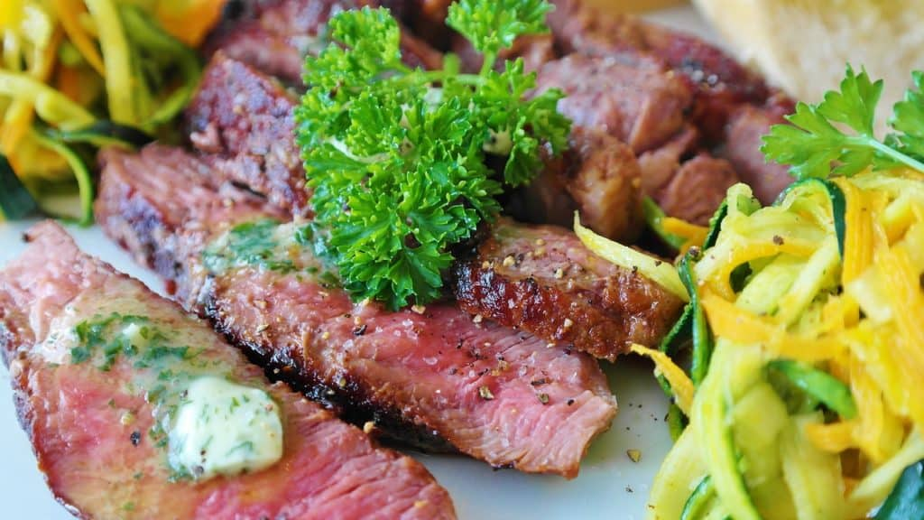 Thai Style Grilled Steak With Dry Chilli Sauce Recipe For You